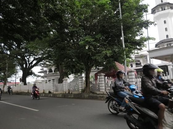 Jalan Raya depan A.R. Fachrudin Mosque